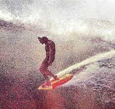 Maurice Cole Surfing Gravier